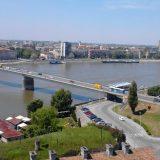 Opozicionom odborniku iz Sremskih Karlovaca zapaljen automobil 7