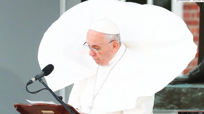 Korona virus: Papa zahvalio novinarima što rade 3