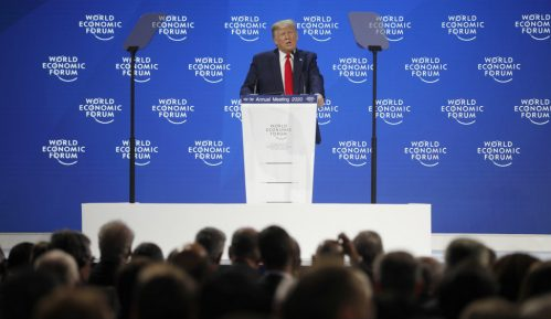 Tramp u Davosu: Amerika cveta 4