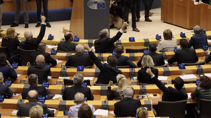 Evropski parlament ogromnom većinom ratifikovao sporazum o Bregzitu, Sasoli kaže arivederči 3