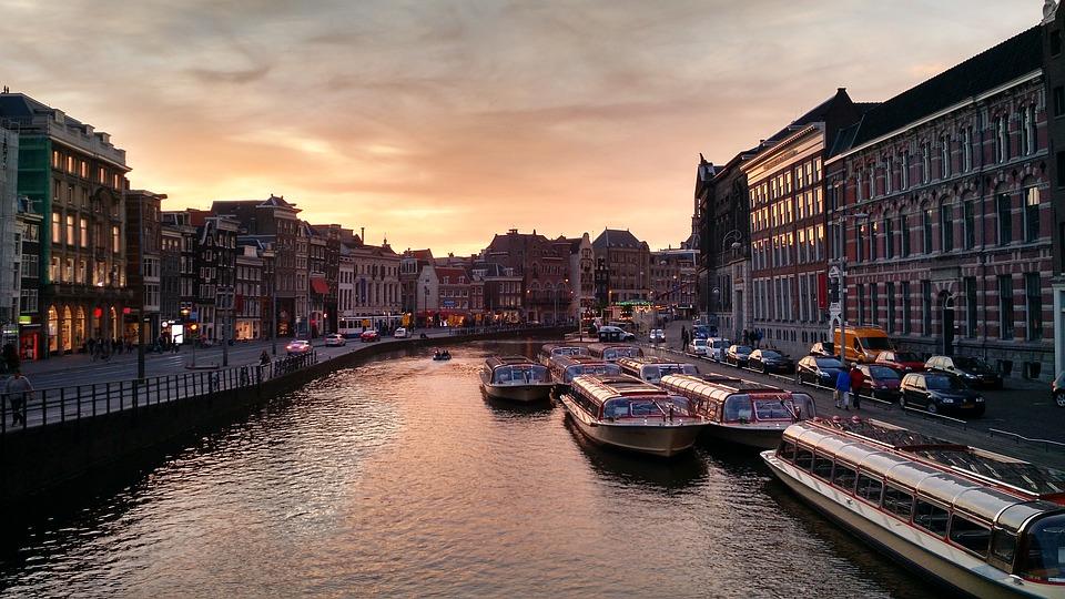 Otvorena birališta u Holandiji 1