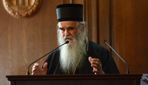 Sveštenici iz Albanije zadržani na granici Crne Gore, stigli na liturgiju u Podgorici 10
