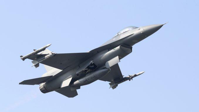 Društvene mreže: Tajvan možda oborio kineski borbeni avion 3