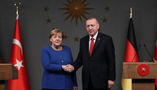 Erdogan i Merkel pozvali na trajno primirje u Libiji 13