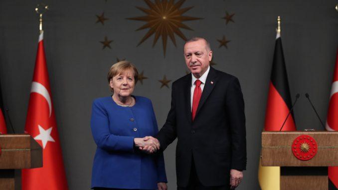 Erdogan i Merkel pozvali na trajno primirje u Libiji 1