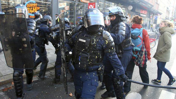 Nekoliko desetina hiljada Francuza na protestu protiv reforme penzija 4