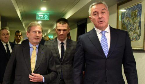 Zvaničnica EK: Crnoj Gori nije garantovano da će u EU pre Srbije 12