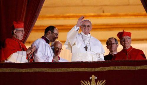 Papa otkazao misu zbog prehlade 11