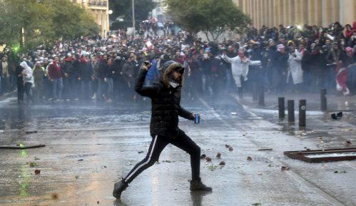 Desetine povređenih na protestu u Bejrutu 7