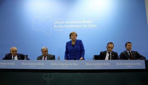 Merkel: Učesnici samita o Libiji se dogovorili da poštuju embargo na oružje 14