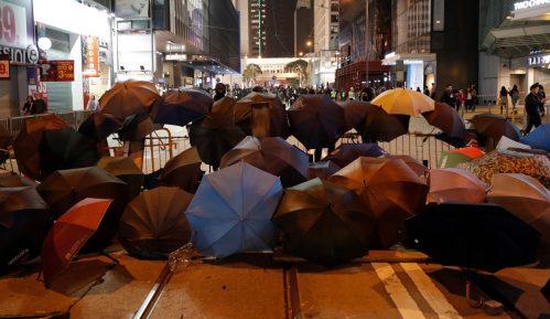 Na protestu u Hongkongu uhapšeno oko 400 demonstranata 7