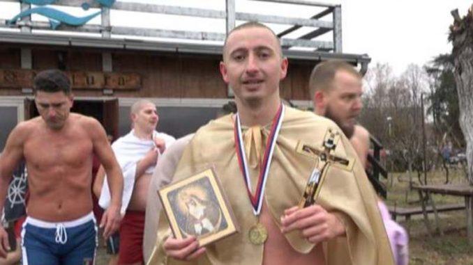 Kladovo: Prvi do krsta Stevan Vasiljević 2