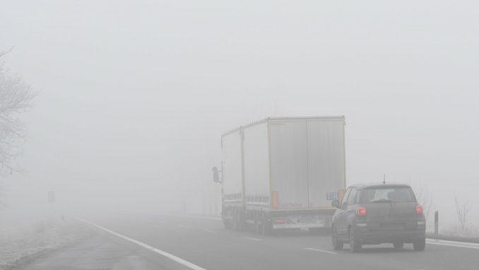 Magla otežava vidljivost u nekim delovima zemlje 2