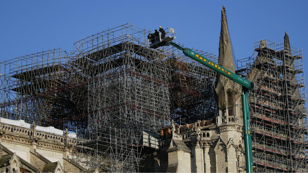 Šef obnove Notr Dama kaže da se neće žuriti sa popravkom katedrale 2