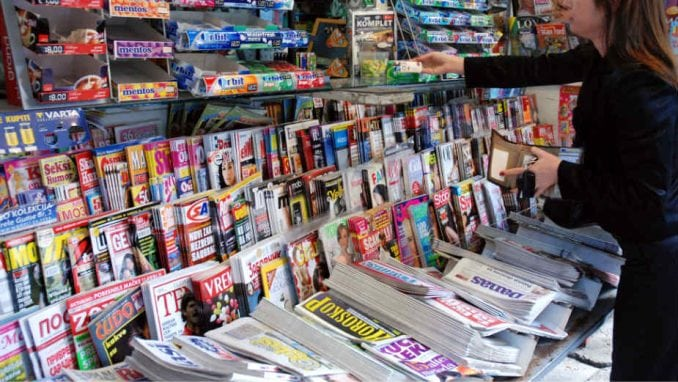 Raskrikavanje: Najmanje 945 lažnih vesti na naslovnim stranama tabloida u 2019. 4
