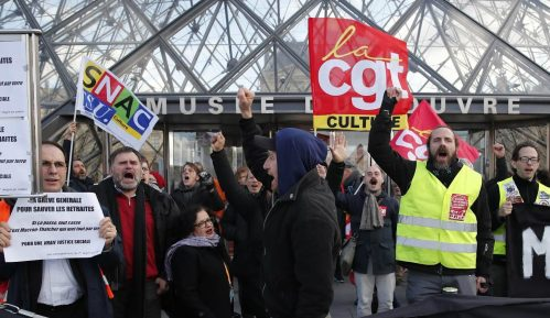 Demonstranti u Parizu upali u sedište najvećeg francuskog sindikata 1