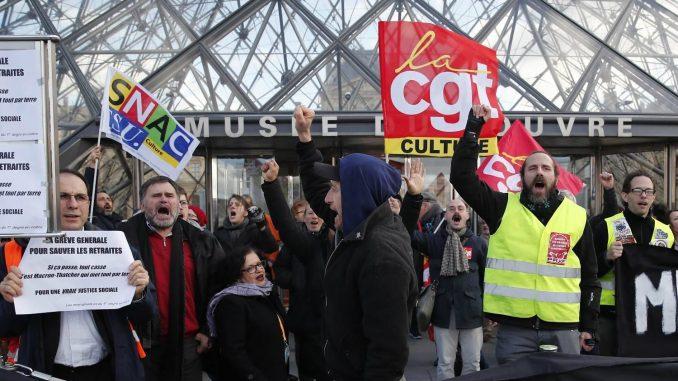 Demonstranti u Parizu upali u sedište najvećeg francuskog sindikata 4