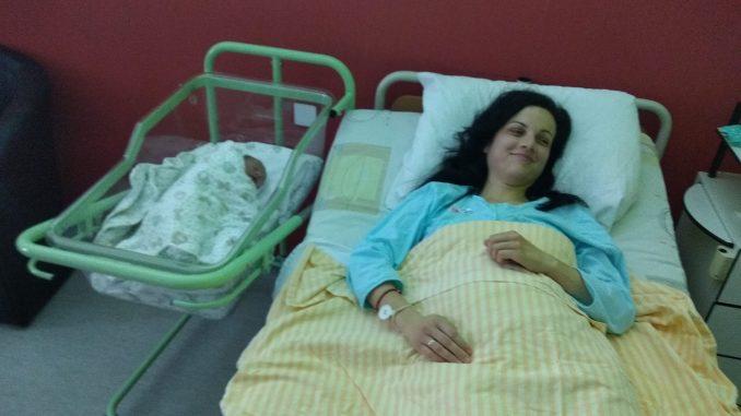 Prva beba u Novoj godini u Pirotu devojčica Jovana 1