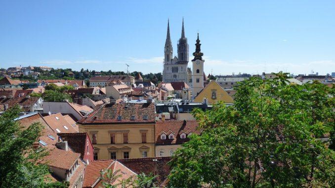Hrvatska: Prosečna plata 900 evra 2