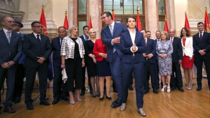 """Vučić i polovina ministara """"osiromašili"""" od kada su na vlasti 4"""