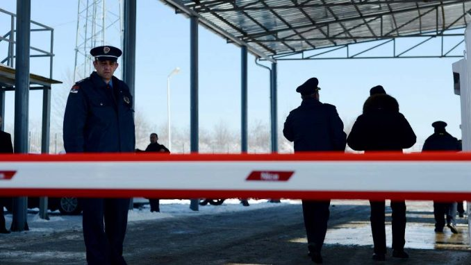 Na prelazu Merdare vraćen kamion sa robom iz centralne Srbije 2