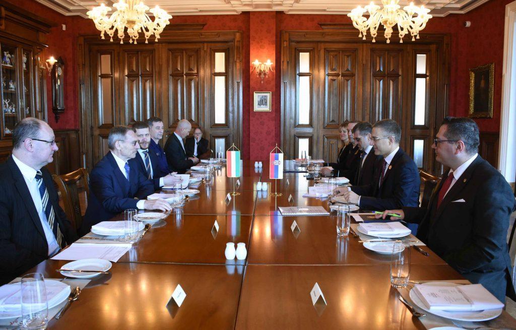 Stefanović: Srbija neće biti usko grlo u kom će se skupljati migranti 2