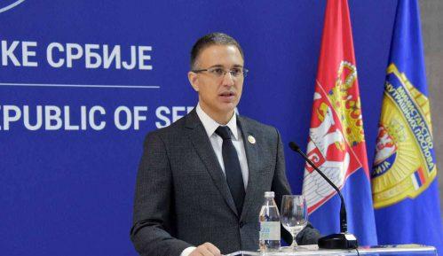 Stefanović: Napadi na policajce su nedopustivi i nećemo ih tolerisati 12