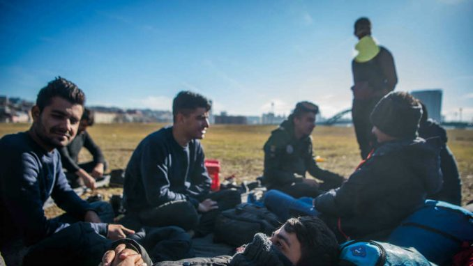 RSE: Teško pretučeni migranti se vraćaju sa granice Hrvatske i BiH 1