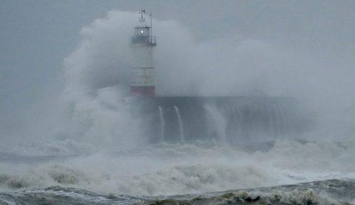 Tropska oluja Eta nastavila da jača i sa obala Centralne Amerike krenula ka Kubi 6