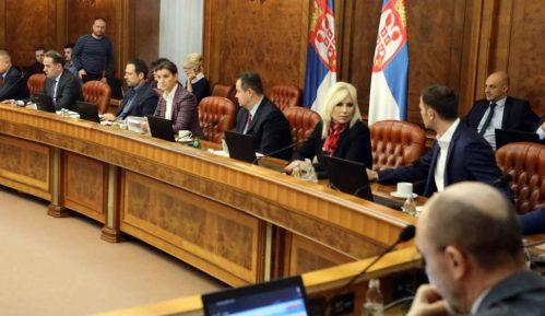 Nove mere Vlade Srbije: Pomoć penzionerima 4.000 dinara 15