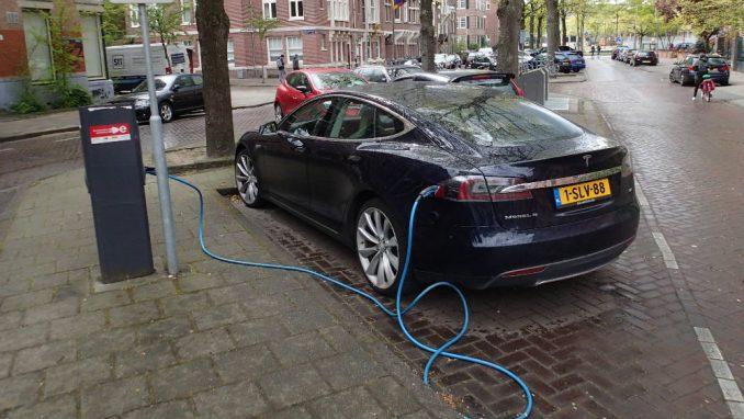 Subvencije bogatima da kupe skupe automobile 6