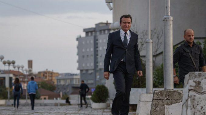 Srbija i Kosovo: Šta znači Kurtijeva najava ukidanja taksi - u 100 i 500 reči 2