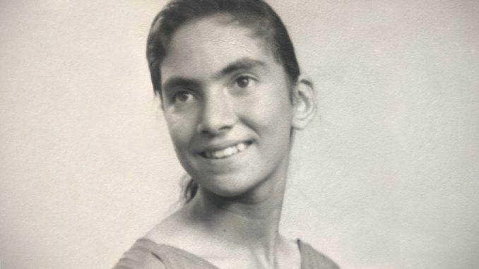 Razdvojene po rođenju: Da li je moja majka data na usvajanje zato što je izgledala kao belkinja 4