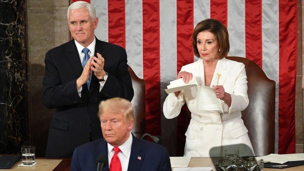 Nensi Pelosi, predsednica Predstavničkog doma, cepa govor