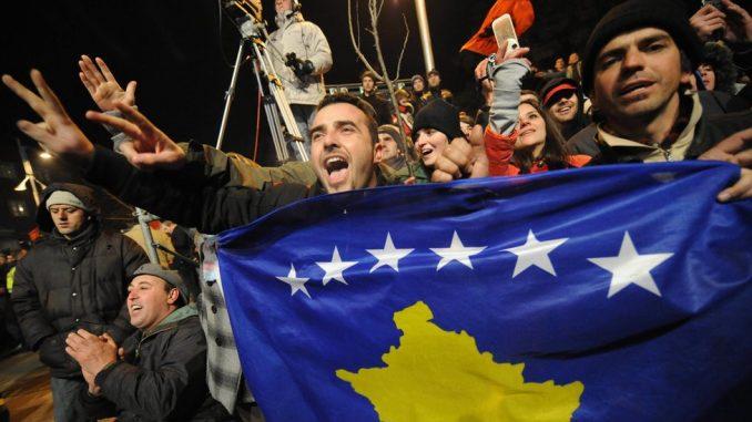 Godišnjica nezavisnosti Kosova: Gde su bili današnji lideri pre 12 godina 4