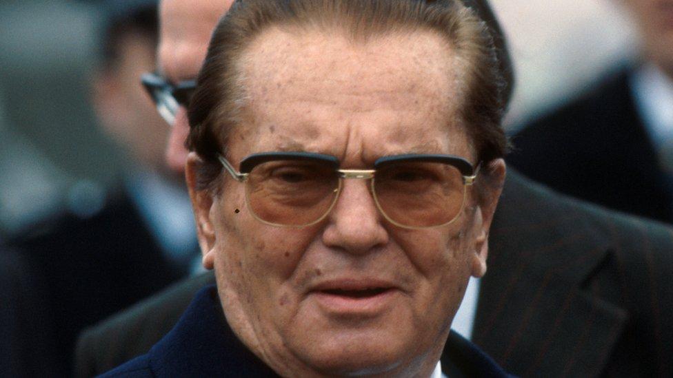 """Određeni pojedinici skloni teorijama zavere veruju da Tito uopšte nije sahranjen u """"Kući cveća"""