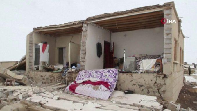 Zemljotres u Turskoj: Stradalo najmanje devetoro ljudi, povređenih ima i u Iranu 3