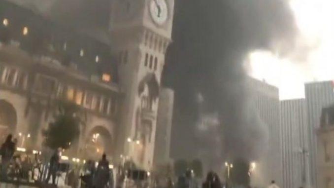 Požar u Parizu: Vatra buknula uoči koncerta zvezde iz Konga 3