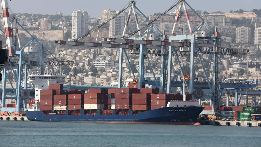 Izraelski teretni brod pogođen nepoznatim oružjem u Indijskom okeanu 1