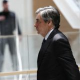 Fransoa Fijon na sudu zbog prevare 10