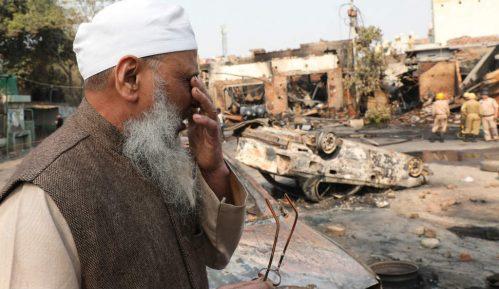 Desetine mrtvih u neredima u Indiji 49