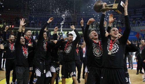 Partizan napred, Zvezda u rikverc 7
