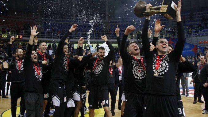 Partizan napred, Zvezda u rikverc 4