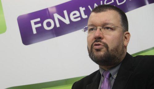 Antić (Napredni klub): Ne može policija da tuče mirne građane, žene i sveštenike 11