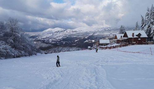 Sneg ponovo aktivirao Gradsko skijalište u Pirotu 1