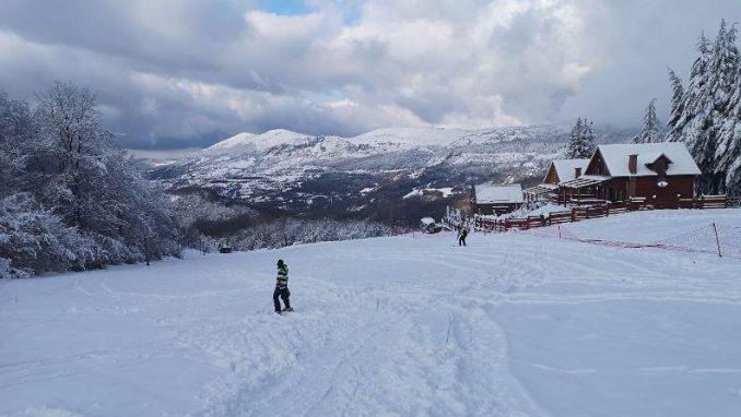 Sneg ponovo aktivirao Gradsko skijalište u Pirotu 2