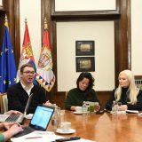 Vučić odgovarao na Fejsbuku o medijima, zagađenju, EU i platama (VIDEO) 8