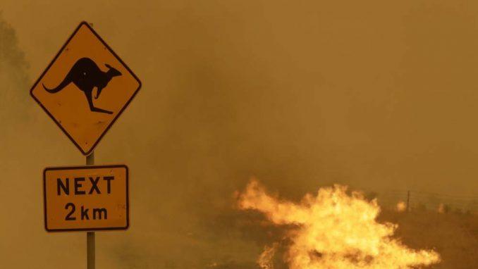 Desetine domova uništene na jugoistoku Australije 2