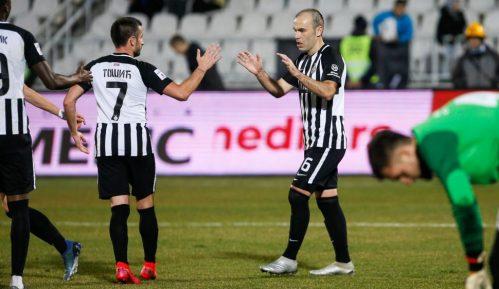 Fudbaleri Partizana protiv Radnika u četvrtfinalu Kupa 8