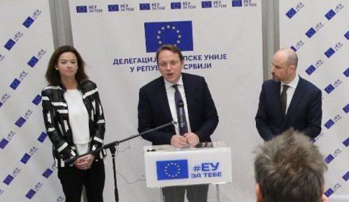Varhelji pozvao sve političke stranke da učestvuju na izborima, da ih ne bojktuju 11